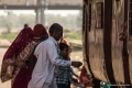 Shekhawati Express 041 - A family rushes not wanting to miss their train