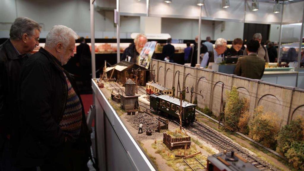 Modellbahn messe Koln 2012 - Gauge 1 diorama showcasing a new release