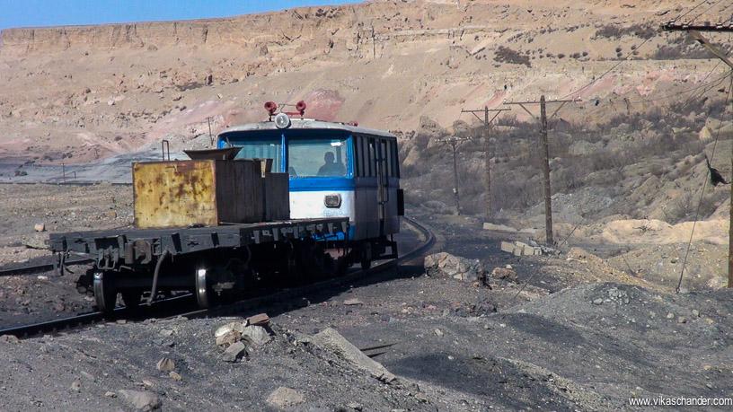 sandaoling blog 100 - diesel rail car video grab