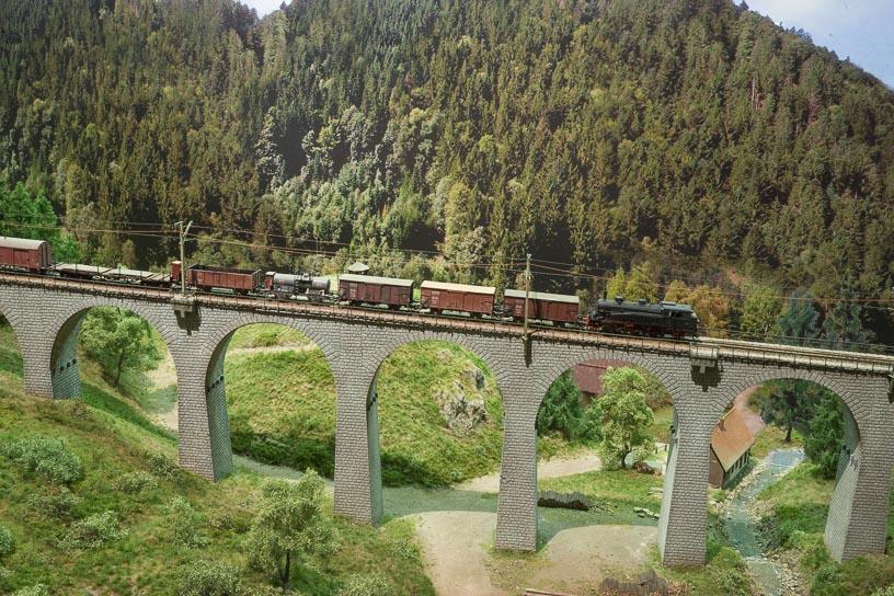 Hochschwarzwald blog 07 - Mixed freight on the Ravenna Viaduct heading to Freiburg Wiehre