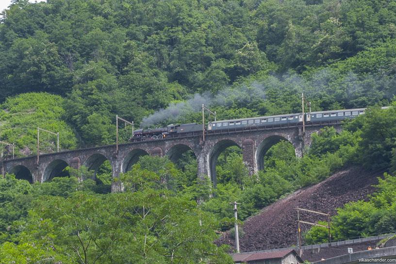 Gotthard Dampfspektakel blog - SNCF 141r on fire on the Pianotondo viaduct